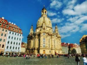 frauenkirche-352537_640