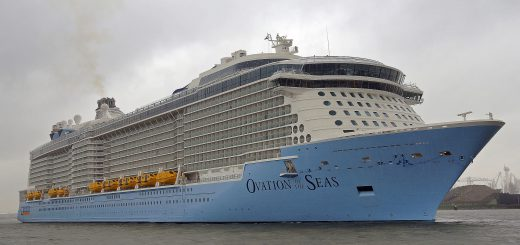 By kees torn (Ovation of the Seas) [CC BY-SA 2.0], via Wikimedia Commons